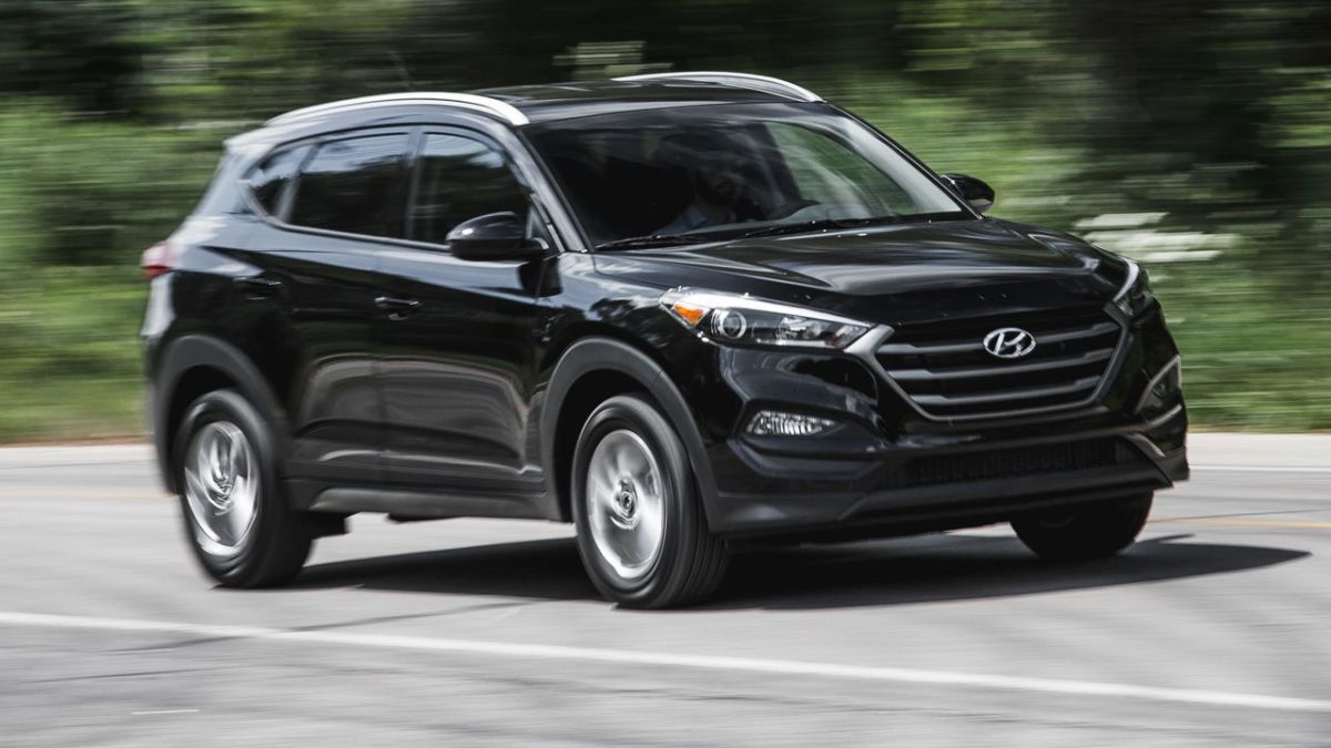 Hyundai Recalls 471K More SUVs, Tells Owners to Park Outside